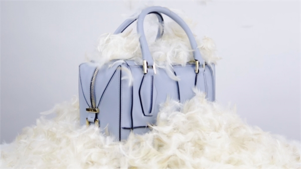 Hello baby blue leather bag!